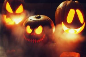 English House отбеляза Хелоуин